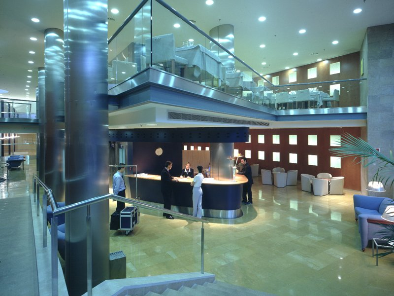 03-hotel-castellon-sercotel-castellon-center-recepcion